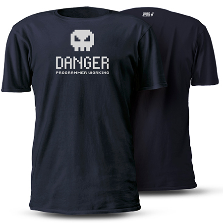 CAMISETA PROGRAMMER WORKING DANGER